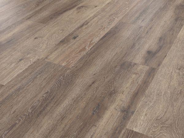 RKP8112 Baltic Mistral Oak Angled CM